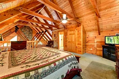 Elkhorn Lodge 3 Bedroom Home with Hot Tub