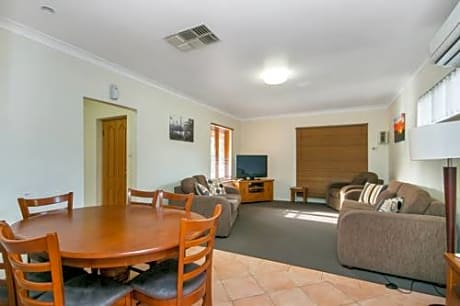 Coranda Lodge Armadale
