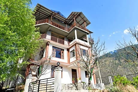OYO 13337 Home Valley View 2BHK Naggar Road