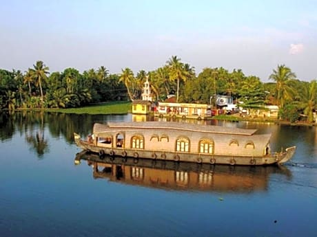 Alleppey Crystal Holidays Houseboat