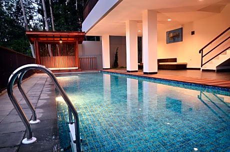 Cempaka 2 Villa Dago Private Pool