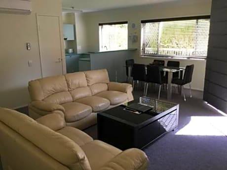 Charlton Apartments Hervey Bay