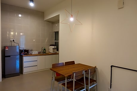Lena Golden Hills