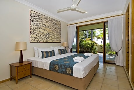 Reeflections Beachfront Holiday House