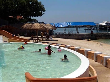 Bluejaz Beach Resort And Waterpark
