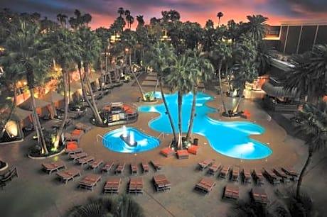 Treasure Island Hotel Casino A Radisson Hotel Las Vegas Las Vegas Hotels Nv At Getaroom