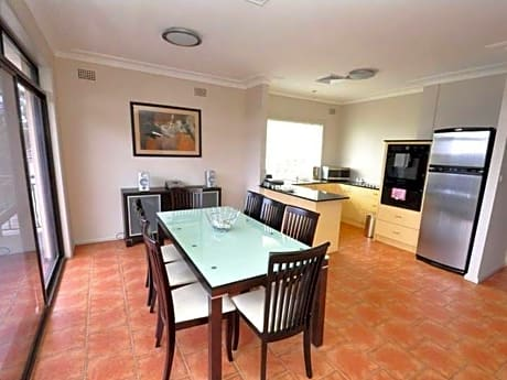 North Ryde Furnished Apartments 69 Melba Drive