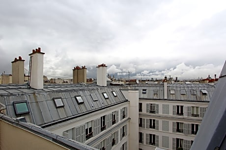 Parisian Home Apartment Champs Elysees