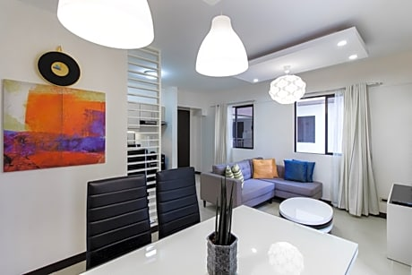 Condo At Arista Place Residences