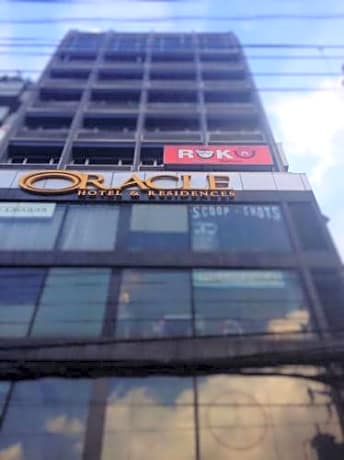 The Oracle Hotel & Residences
