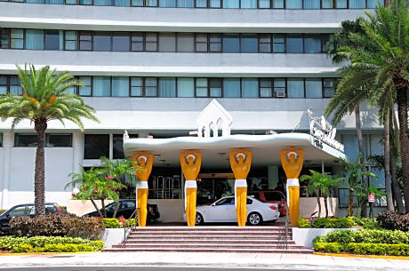 New Casablanca On The Ocean Hotel Miami Beach Hotels Fl At Getaroom