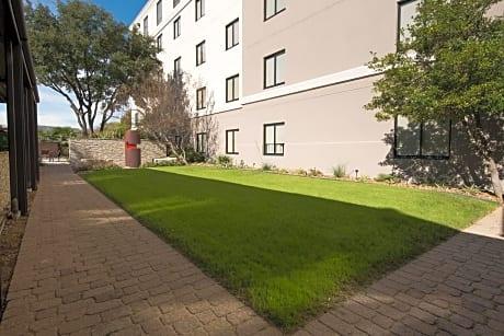 Hilton Garden Inn Las Colinas Irving - Irving Hotels - TX at getaroom