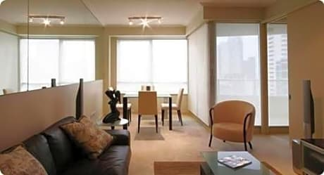 Sydney CBD Self-Contained Two-Bedroom Apartment 2701 MKT