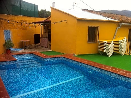 House With 4 Bedrooms in Canillas de Aceituno, With Wonderful Mountain