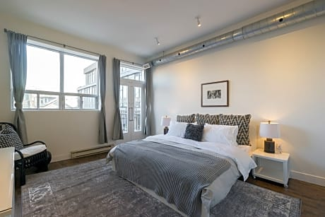 Applewood Suites - The Ossington Loft