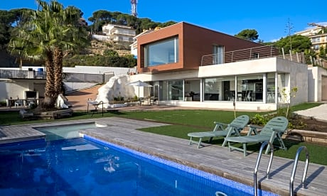 104647 Villa In Lloret De Mar