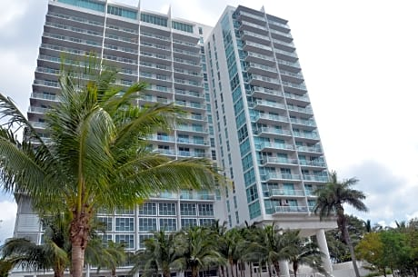 Riviera Luxury Living At River Oaks Marina And Tower