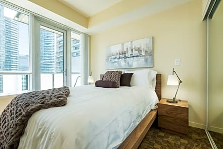 QuickStay Premium 2 Bedroom Downtown Condo