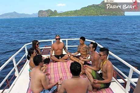 El Nido Party Boat Overnight Expeditions