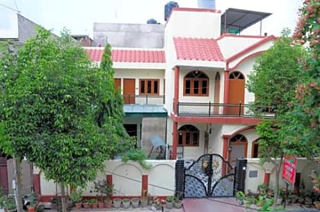Shreenu Home Stay
