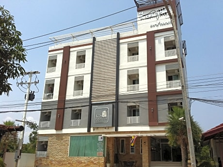C.S. Poonpol Apartment