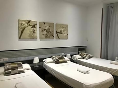 Ch Otello Rooms Madrid