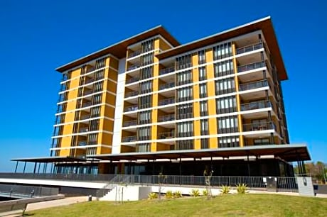 Darwin Waterfront Executive Apartment