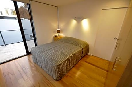 Ultimo / Darling Harbour Self-Contained Modern One-Bedroom Apartment (625 2 HAR)