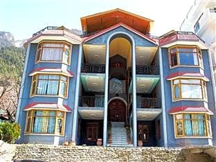 Abrol Hotel & Cottages