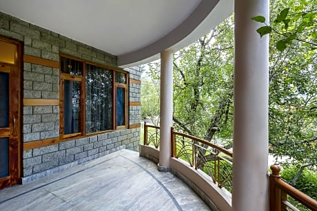 Gorgeous Cottage Tucked Away In Greenery Near Mall Road By Guesthouser