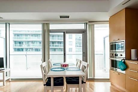 Perfectly Located Condo CN Tower View