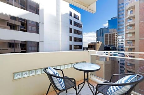 Boutique CBD Apartment - Close to Transport