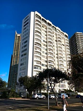 Pacific Plaza Apartments