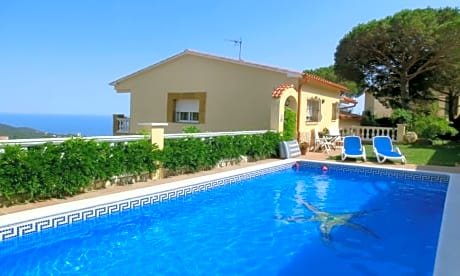 Villa In Lloret De Mar - 104812 By MO Rentals