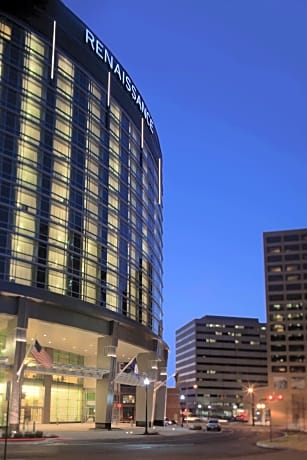 Arlington Capital View Hotel