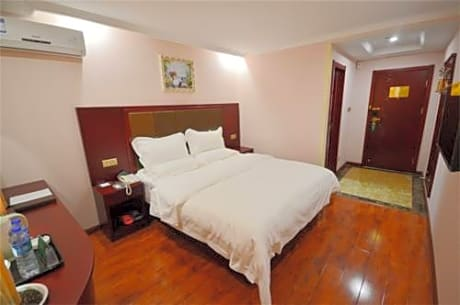 Greentree Inn Changshu Aotelaisi Business Hotel